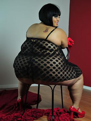 Huge ass glamorous PLUMPER Farrah Foxx